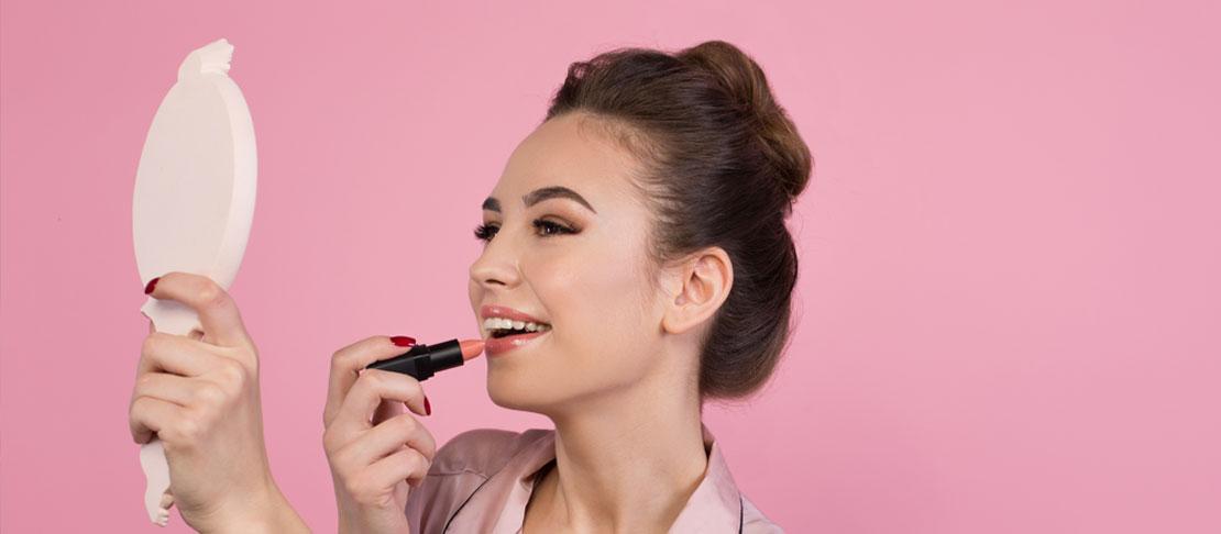 Il make up giusto per le labbra sottili