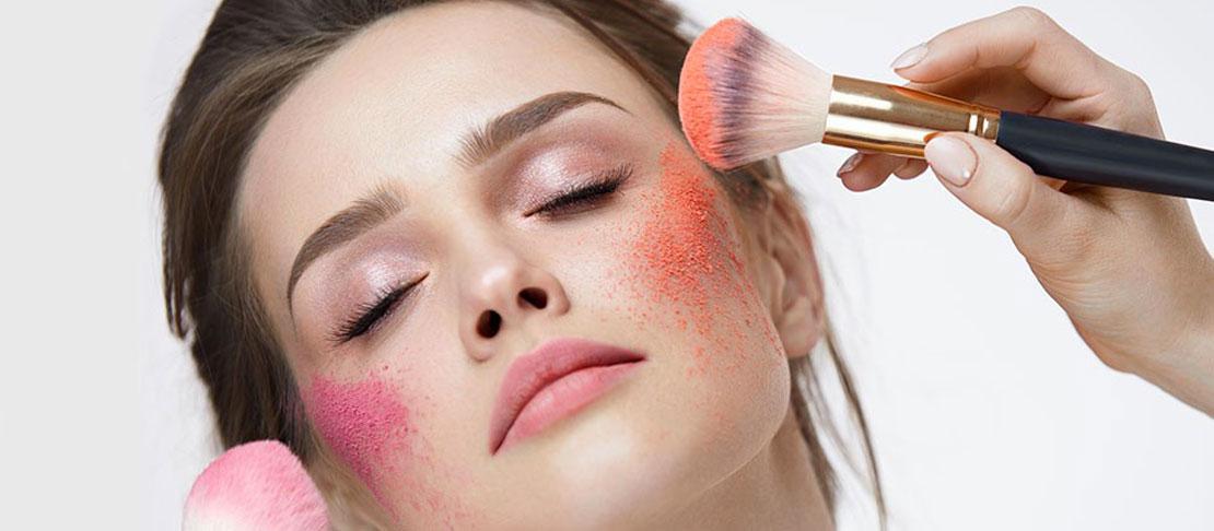 Draping: scolpire il viso con il blush
