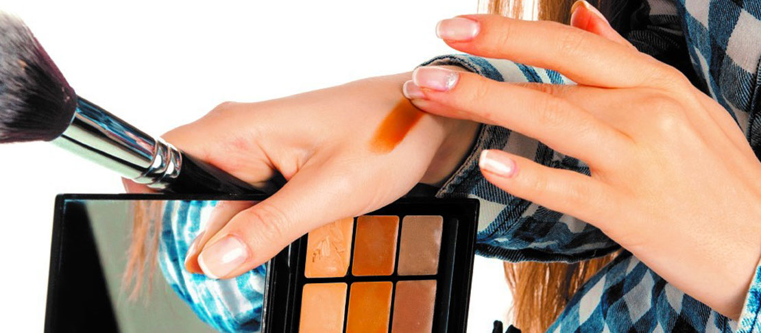 Make up occhi sensibili al trucco: mascara, matita e ombretti