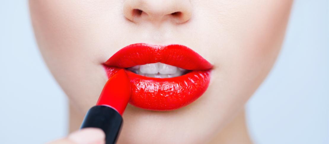 Opaco o lucido? Scegliere il rossetto più giusto per te