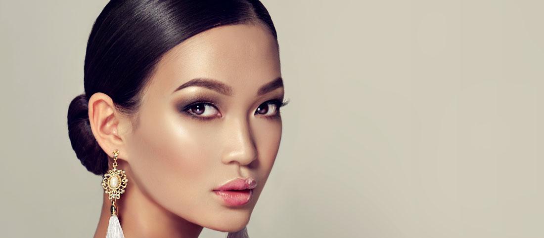 Come truccare e valorizzare gli occhi orientali