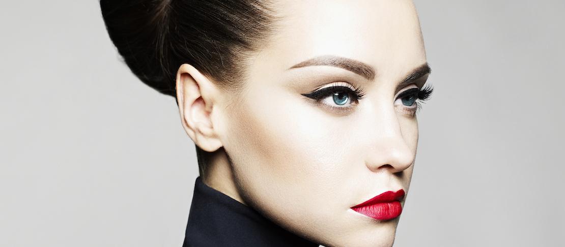 Come mettere l'eyeliner in maniera facile e veloce