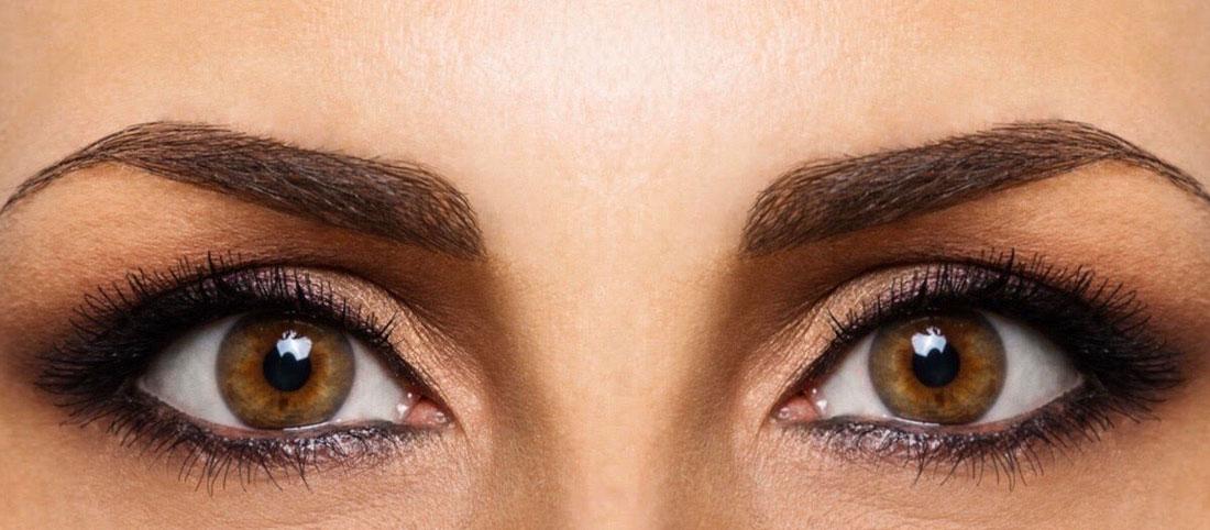 Come applicare l'ombretto per valorizzare gli occhi