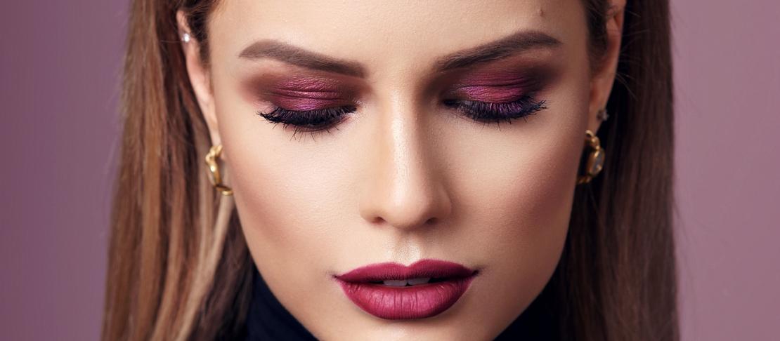 Ombretto Borgogna: per un make up intenso e di tendenza
