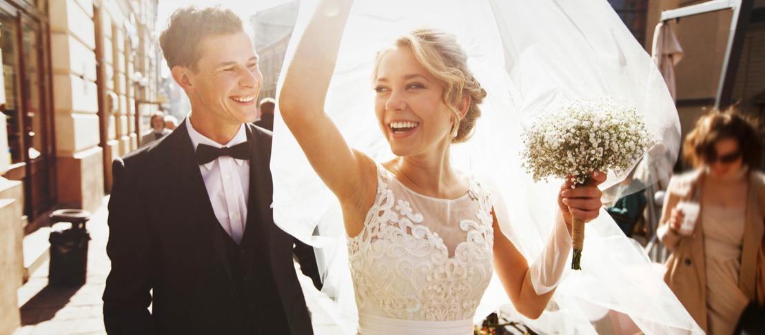 Come realizzare un trucco sposa secondo le tendenze 2021